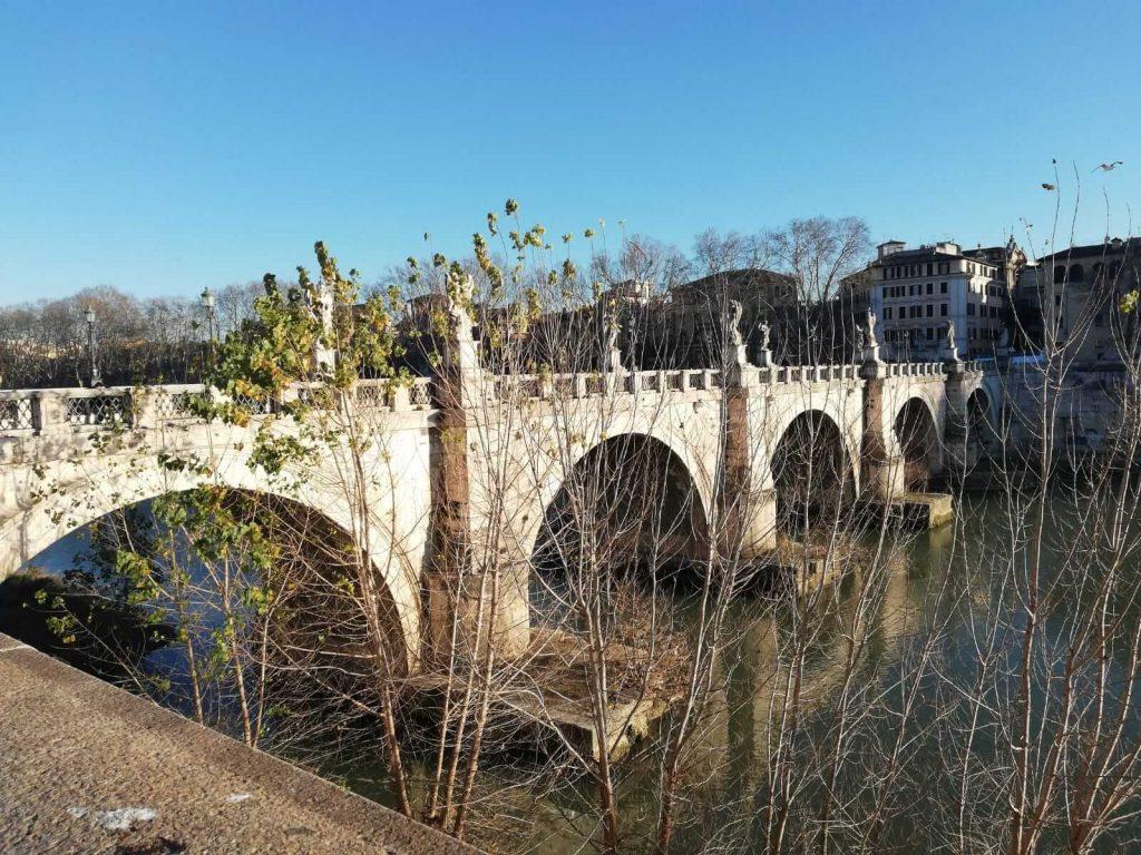 Pod-peste-raul-Tibru