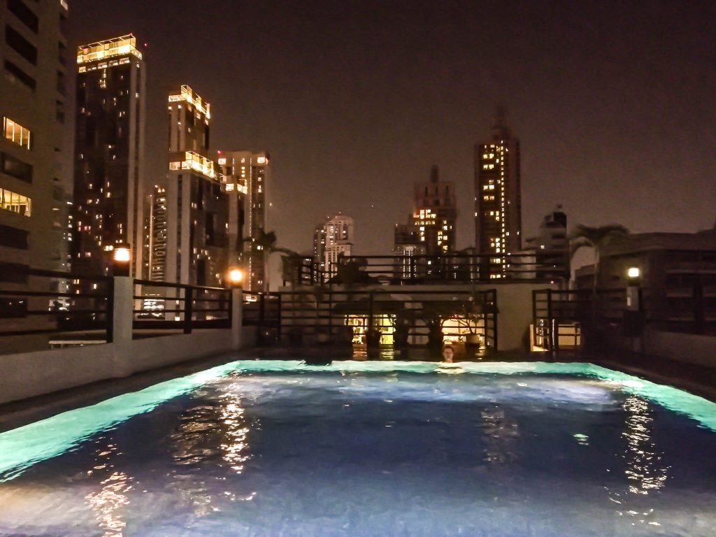 Bally-suite-sukhumvit-pool-night