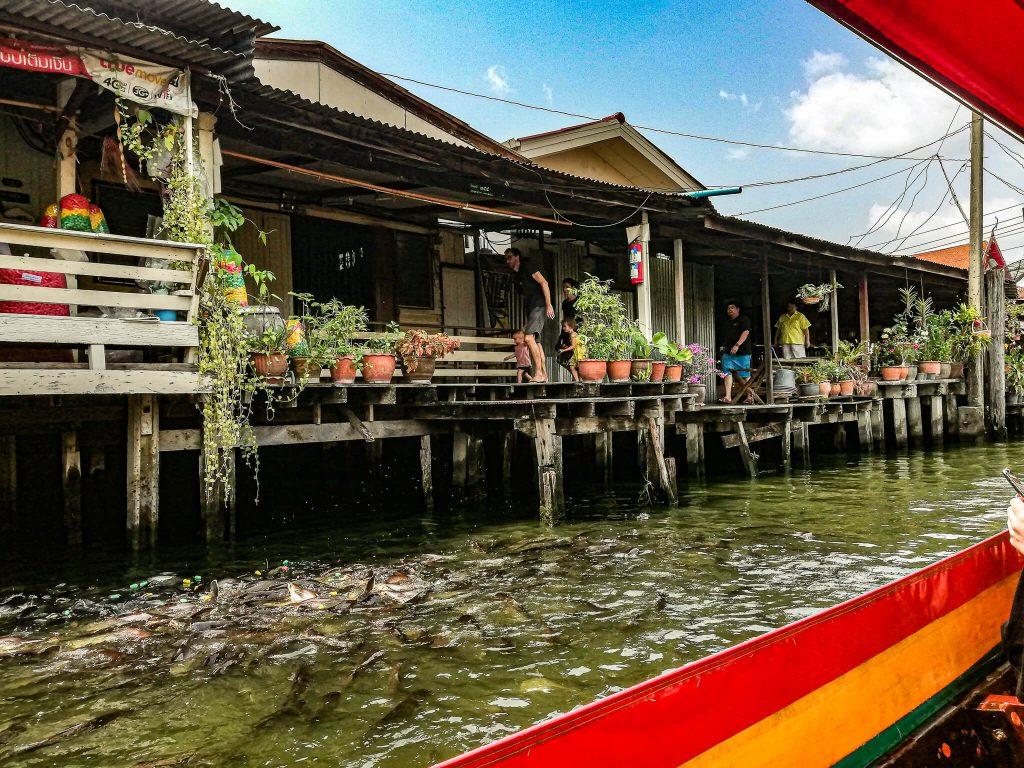 Bangkok-plimbare-cu-barca-pe-canale