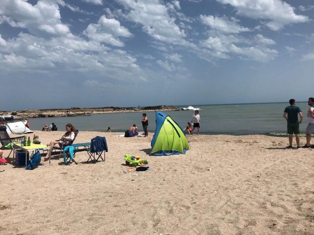 micul-golf-corturi-plaja