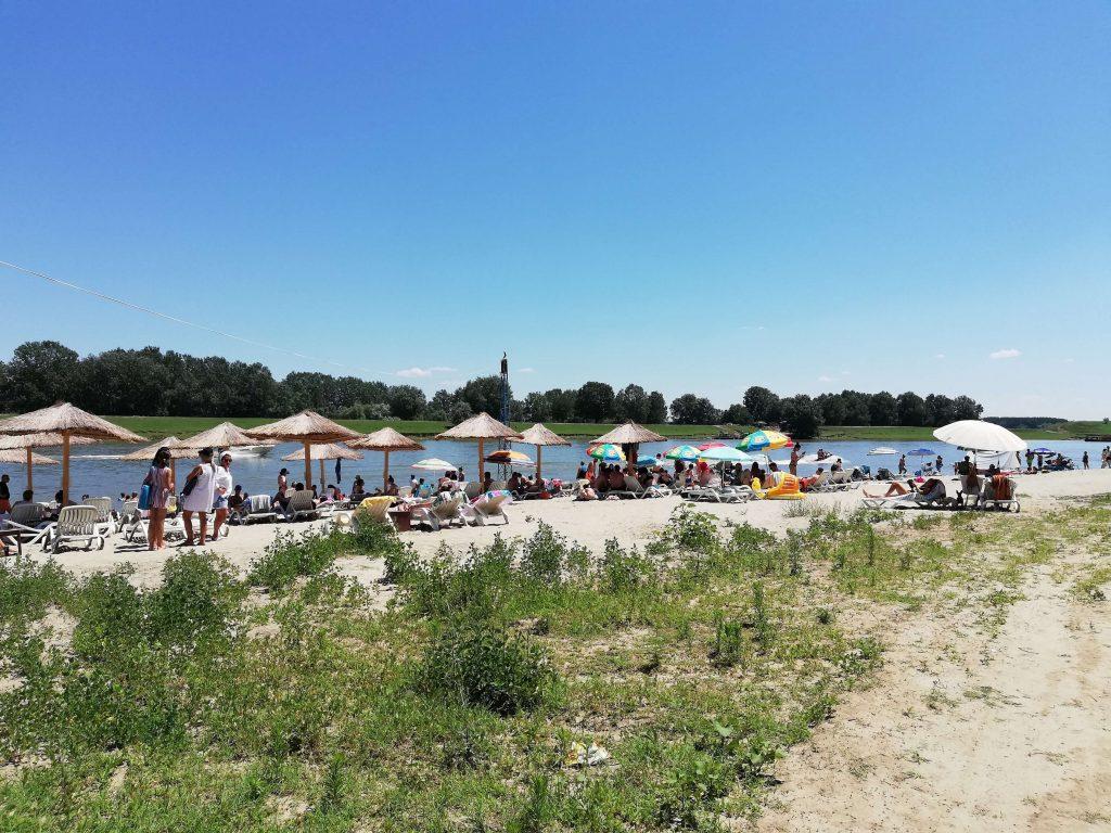 plaja-la-dunare-pod-4