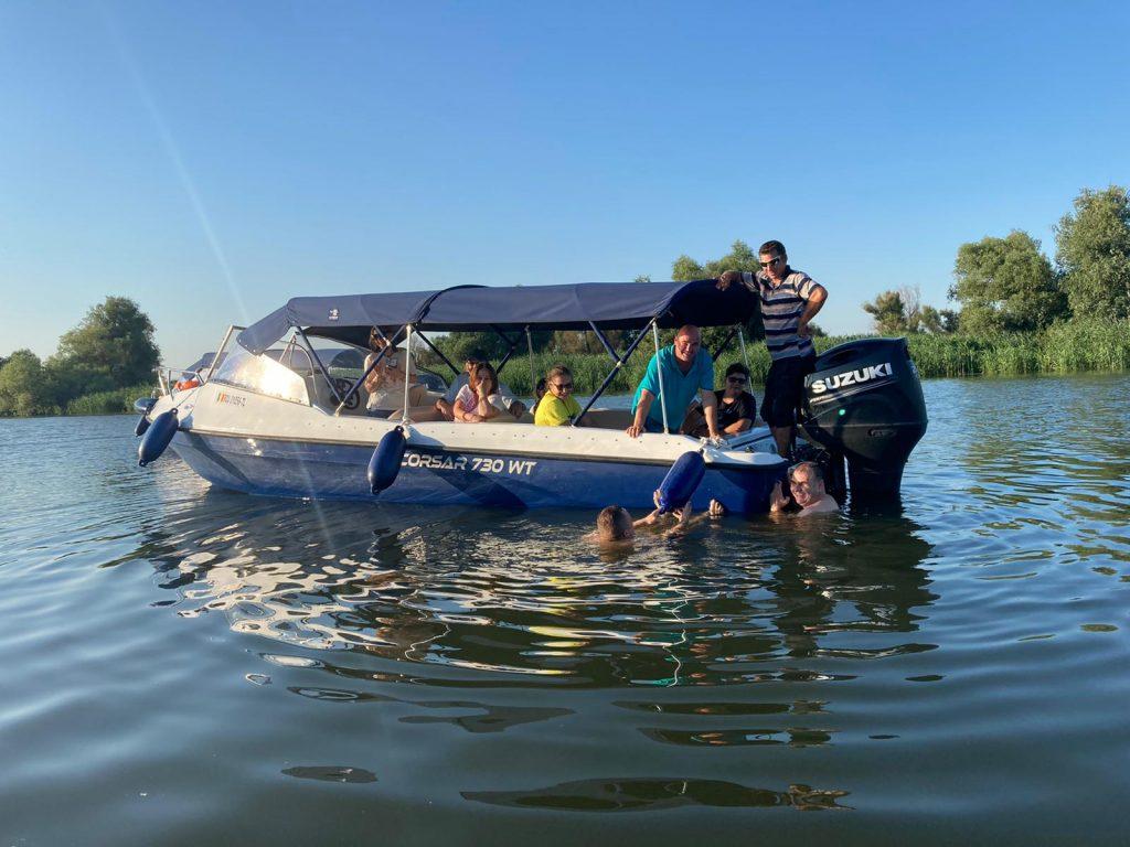 barca-excursii-delta